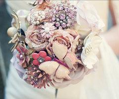 Pale brooch bouquet